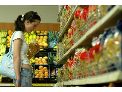 """Според изследването на Словашката асоциация на потребителите продуктите за българския пазар са с най-ниско качество.  СНИМКА: """"24 ЧАСА"""""""