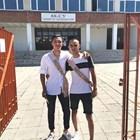 Филип Кръстев (вляво) със свои приятел на изпращането си в училище