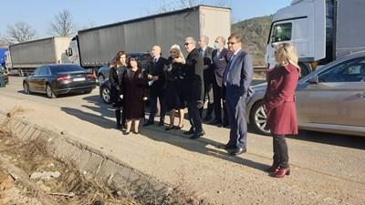 Енергийният министър Теменужка Петкова и вицепремиерът и министър на минното дело и енергетиката на Република Сърбия Зорана Михайлович бяха на точката на свързване на Калотина.