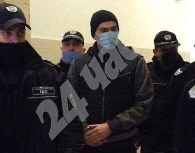 Викторио Александров в съда СНИМКА: Румяна Тонева СНИМКА: 24 часа