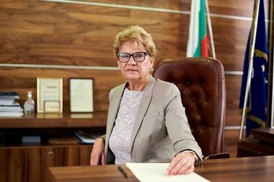 Министър Виолета Комитова