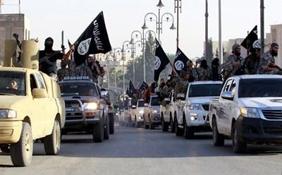 Парад по случай обявяването на халифата СНИМКА: РОЙТЕРС