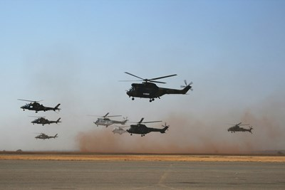 Два от осем хеликоптера излезли от строя още преди началото на самата мисия