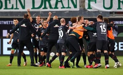 """""""Вердер"""" на Груеви оцеля в Бундеслигата, ще е рекордьор и следващия сезон"""