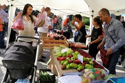 Фермерският пазар в Пловдив СНИМКА: Наташа Манева