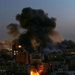 В ивицата Газа рухна 13-етажна жилищна сграда, след като по нея бе нанесен въздушен удар от Израел. Снимка Ройтерс