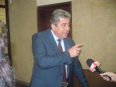 """Президентът Георги Първанов /2002-2012 г./ обяви, че съюзът между БСП и АБВ е закъснял, но добави: """"По-добре късно, отколкото никога"""". СНИМКИ: Авторът"""