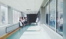 28-годишен удари охранител в бургаска болница, изнервил се от чакане
