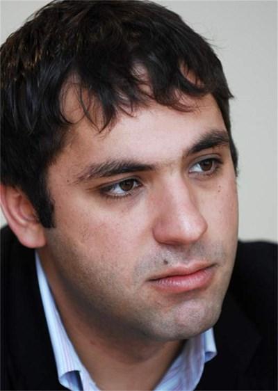 ЕМИЛ КАРАНИКОЛОВ