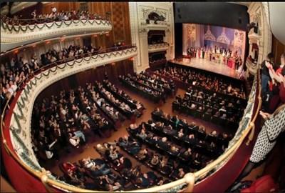 Новогодишна наздравица със Софийската опера имаестро Павел Клиничев от Болшой (Снимки)