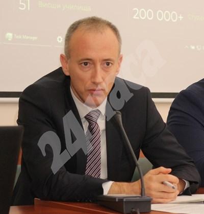 Просветният министър Красимир Вълчев
