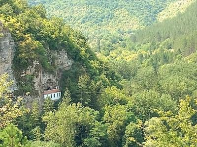 Сърцето ми е тук - в Разбоищкия манастир над Годеч