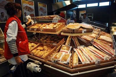 На пазара има толкова много видове хляб, че поскъпването винаги може да се прикрие чрез смяна на рецептата или грамажа.