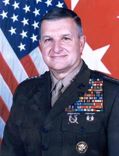 Бившият генерал Антъни Зини СНИМКА: Уикипедия