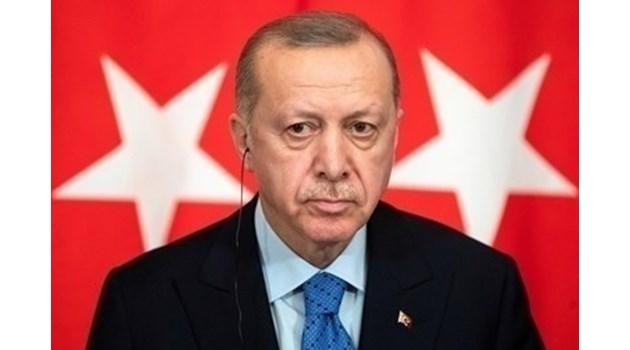 Кой може да сложи спирачки на Турция?