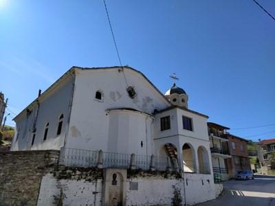 Църквата в Яврово, откъдето ще бъдат изкарани иконите.  СНИМКА: 24 часа Пловдив онлайн