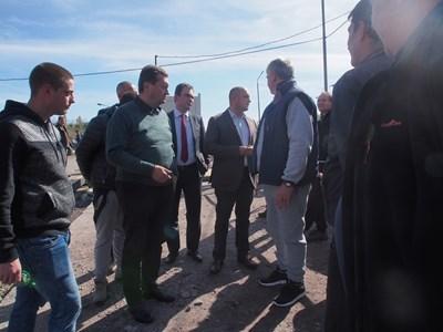 Таско Ерменков, Жельо Бойчев и Иван Ибришимов на среща с миньорите в Бобов дол.