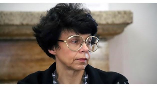 Голямата ми молба към Яра Бубнова - да спре да венцеслави Людмила Живкова