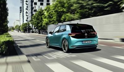 Автосалон София 2019: Електро революцията на Volkswagen - ID.3 (видео)