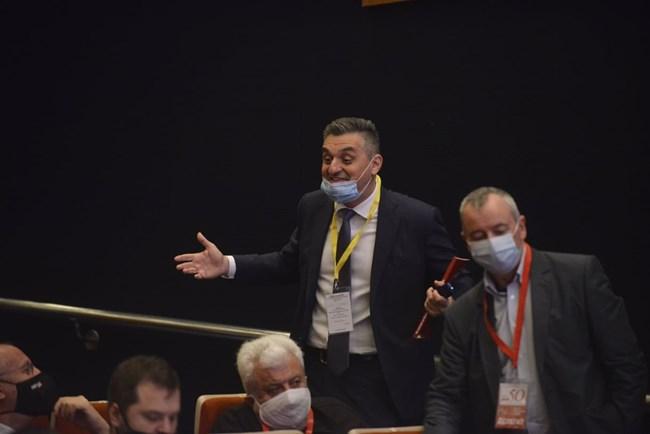 Кирил Добрев и Георги Пирински преди началото на форума.