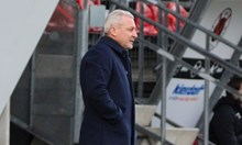 """Виктория"" уволни Павел Дочев"