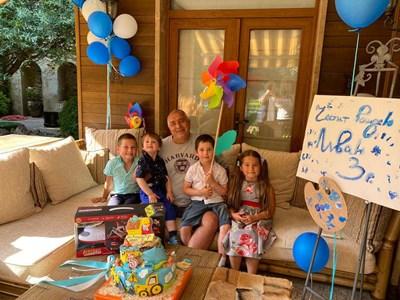 Бойко Борисов честити празника на тригодишния си внук Иван СНИМКА: Фейсбук