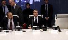 Макрон поднесе съболезнования за жертвите на нападението в Страсбург