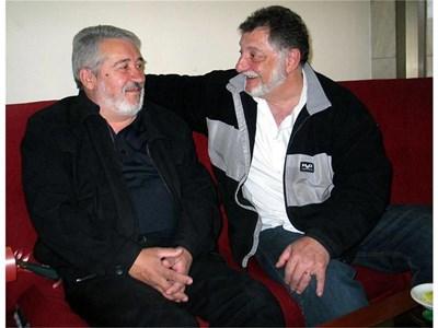 """Бедо Манукян (вдясно) откри приятеля си Атанас Печански след 40 г. с помощта на """"24 часа"""". СНИМКИ: АВТОРКАТА"""