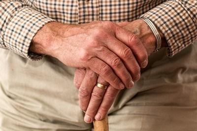 Неизбежното застаряване на населението довежда и до повишаване на неговата средна възраст, която за област Ловеч, през 2016 г., е 46,5 години. СНИМКА: Архив