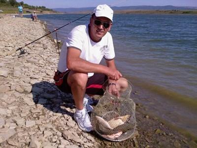 Христо обичал да ходи за риба. Снимка: фейсбук