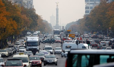 Съд в Берлин забрани движението на дизелови автомобили, произведени преди септември 2014-а, на някои централни улици и булеварди. СНИМКА: РОЙТЕРС