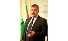 Каракачанов за Радев: Много е лесно да критикуваш, когато не носиш отговорност
