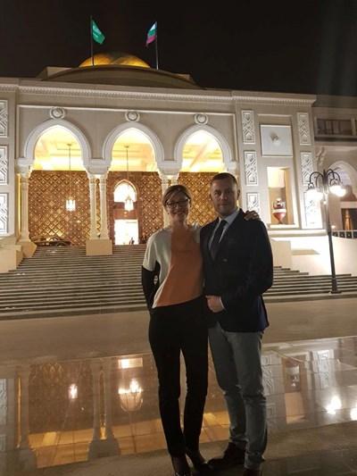 Вицепремиерът Екатерина Захариева и колегата ни Георги Милков  СНИМКИ: Фейсбук