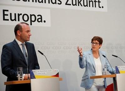Германецът Манфред Вебер трябва да стане следващият председател на Европейската комисия, обяви Крамп-Каренбауер. Снимка РОЙТЕРС