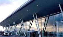 Самолет кацна аварийно на Летище София 41 минути след като излетя (Обновена)