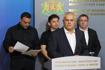 Министър Валентин Радев СНИМКИ: БлагойКирилов