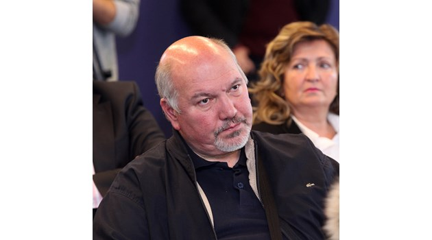 Радев взе свързания с ДС ляв стратег Александър Маринов за шеф на Стратегическия си съвет. Професорът бе председател на най-мощната организация на БСП - Софийската