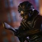 """Паметник на магьосника Хари Потър се появи в сряда на площад """"Лестър"""" в централната част на Лондон СНИМКИ: Ройтерс"""