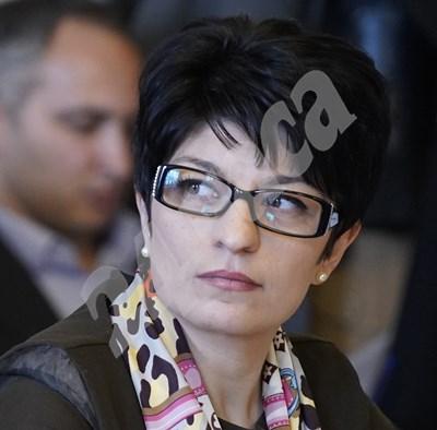Десислава Атанасова от ГЕРБ е сред вносителите на законопроекта на управляващата коалиция. СНИМКА: 24 часа