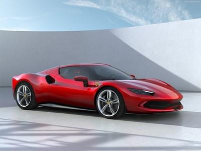 Първото ферари с V6 двигател е хибрид за 300 000 евро (видео)