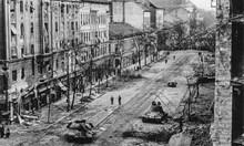 Унгарската революция 1956 г.: Армията минава на страната на народа, жени и деца воюват срещу танкове