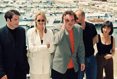 Джон Траволта, Ума Търман, Куентин Тарантино, Брус Уилис и Мария де Медейруш през 1994 г. на фестивала в Кан СНИМКА: РОЙТЕРС