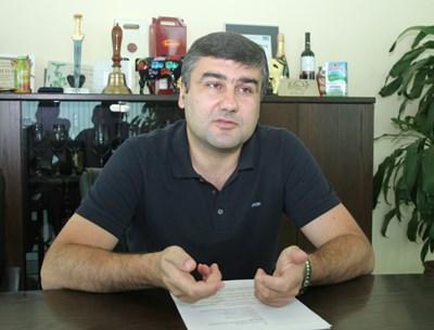 Според  Димитър Зоров - председател на Асоциацията на млекопреработвателите в България има хаос в процедурите