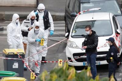 """4-има ранени с нож до бившата редакция на """"Шарли ебдо"""" в Париж, има задържан (Снимки, обновена)"""