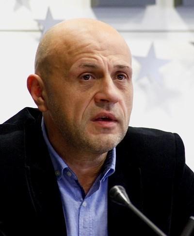 Дончев: Търговският регистър не работи, защото са изгорели дискови устройства