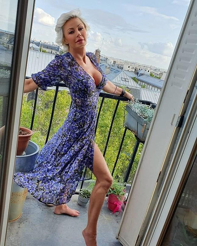 Приятелката на рокаджията Леана Долчи се радва на живота от терасата на апартамента си в Париж. СНИМКА: ИНСТАГРАМ