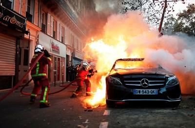 Хиляди протестираха във Франция срещу полицейското насилие