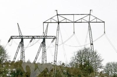 При сделки с ток се купува и капацитетът в мрежата за преноса му.