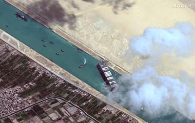 """Администрацията на Суецкия канал разследваше причините за засядането на """"Евър Гивън"""" .  СНИМКА: РОЙТЕРС"""