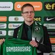 """Треньорът на """"Лудогорец"""": Мога да се уча от Акрапович"""